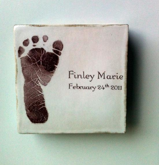 Cuadros de beb con su huella decoraci n infantil - Cuadros de pies ...