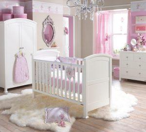 Papel pintado rosa habitación niña