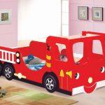 Camas infantiles forma coche